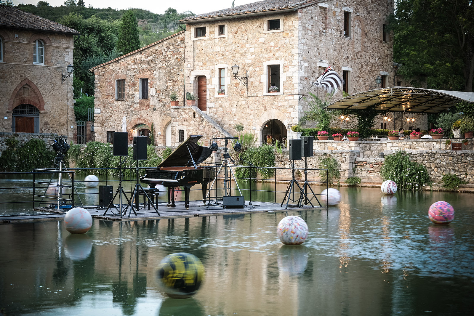 Concerto bagno vignoni cantina del giusto - Il loggiato bagno vignoni ...